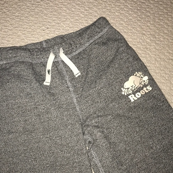 Kids roots sweat pants with roots on back
